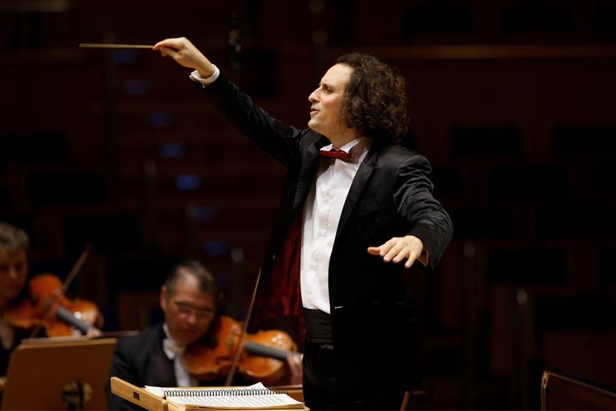 Livestream mit Principal Guest Conductor Alexandre Bloch (Foto: Susanne Diesner)