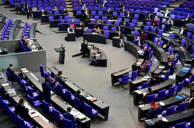 Koalition will Corona-Beschränkungen nicht mehr nur an den Inzidenzwert koppeln (© 2021 AFP)