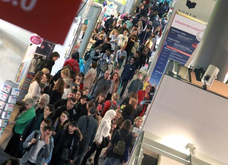 Frankfurter Buchmesse will im Oktober wieder Verlage und Besucher empfangen (© 2021 AFP)