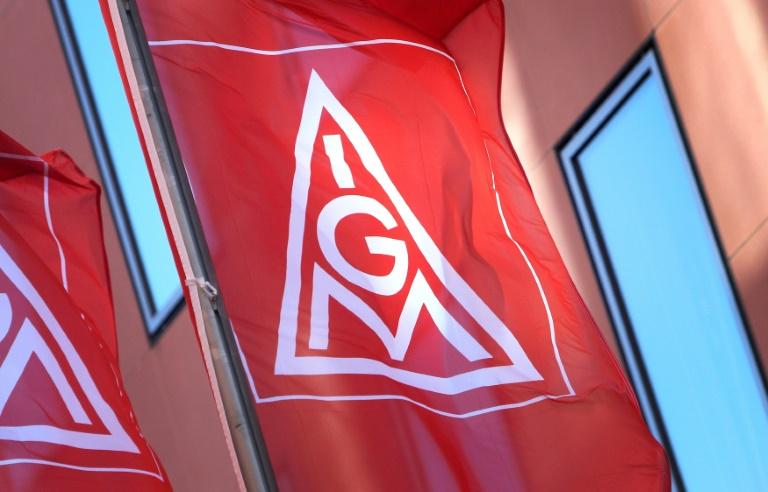 """FAZ"": Metall-Arbeitgeber machen IG Metall neues Angebot im Tarifkonflikt (© 2021 AFP)"