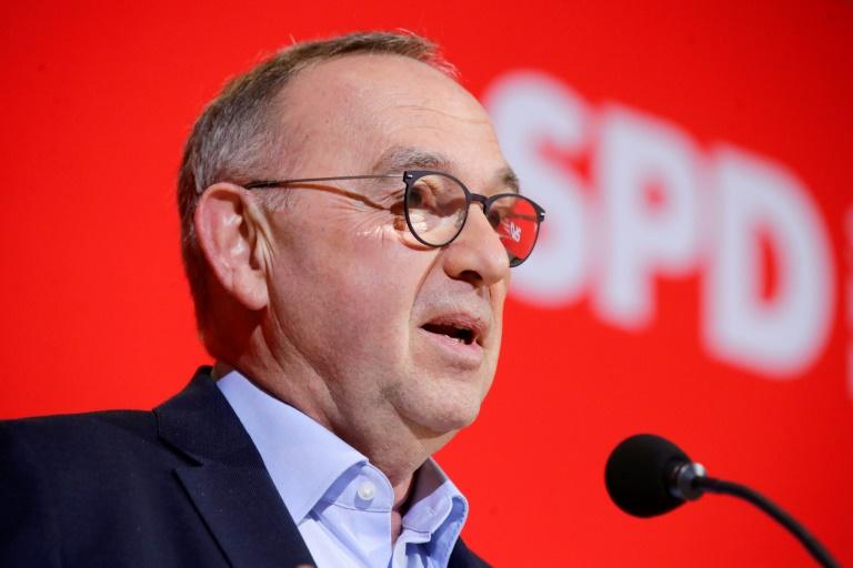 Walter-Borjans sichert Merkel Rückhalt durch SPD zu (© 2021 AFP)