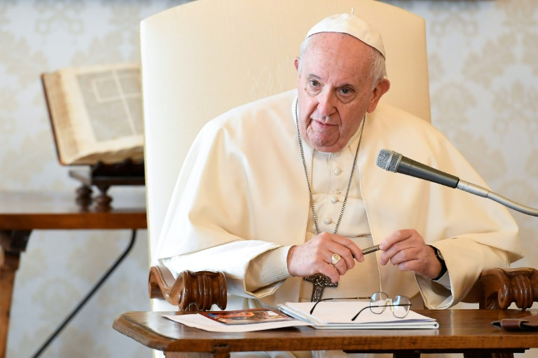 """Papst gewährt Hamburger Erzbischof nach Rücktrittsersuchen """"Auszeit"""" (© 2021 AFP)"""