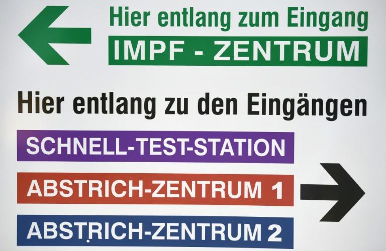 Knapp 11.000 Neuinfektionen mit dem Coronavirus in Deutschland (© 2021 AFP)