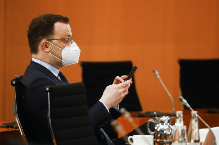 Spahn will Zugang zu digitalem Corona-Impfpass erleichtern (© 2021 AFP)