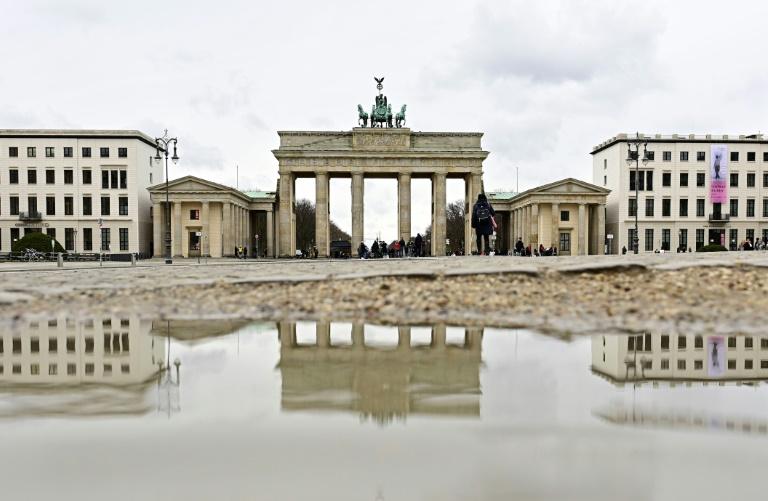 """Laschet erntet mit Vorstoß für """"Brücken-Lockdown"""" Kritik (© 2021 AFP)"""