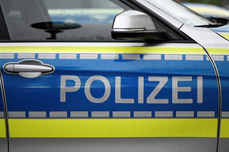 Mann stürzt bei Arbeitsunfall in Brandenburg mit Gabelstapler in Aufzugsschacht (© 2021 AFP)
