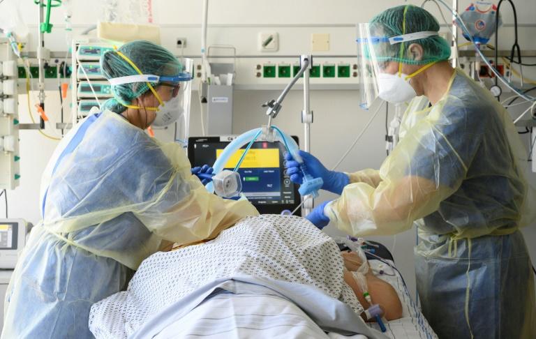 Mehr als 25.000 Corona-Neuinfektionen in Deutschland (© 2021 AFP)