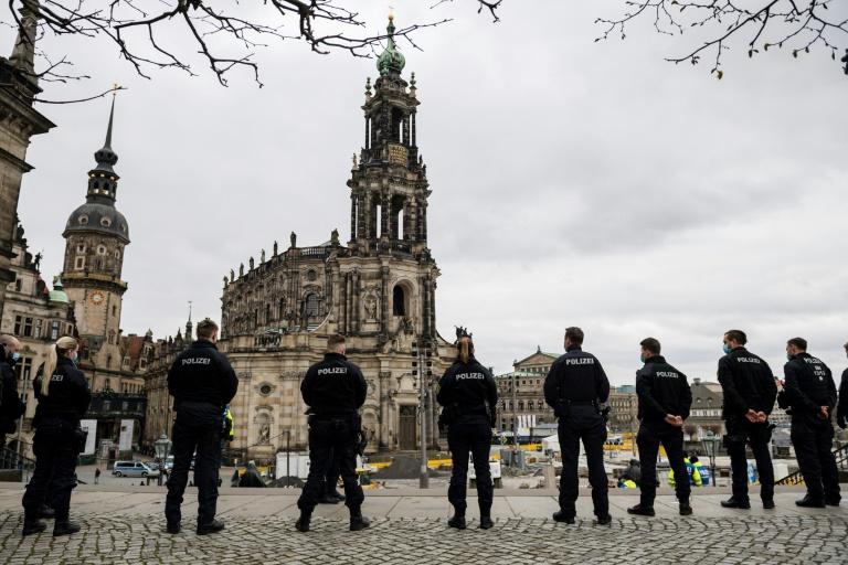 Proteste gegen Corona-Beschränkungen in zahlreichen deutschen Städten (© 2021 AFP)