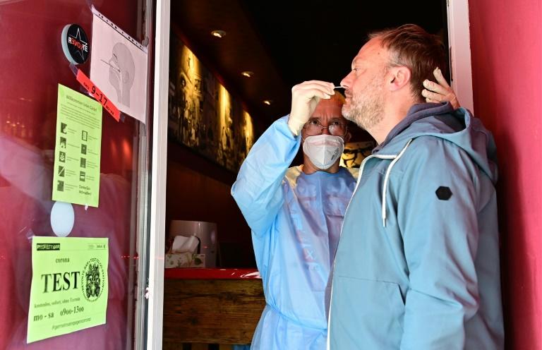 Rund 9600 Neuinfektionen mit dem Coronavirus in Deutschland (© 2021 AFP)