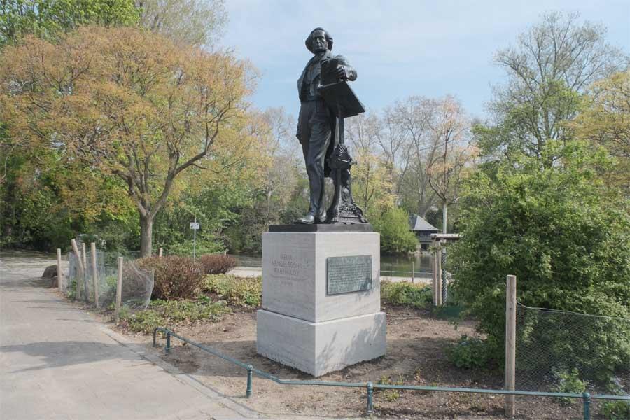 Das Mendelssohn-Bartholdy-Denkmal (Foto: Stadt Düsseldorf/Michael Gstettenbauer)