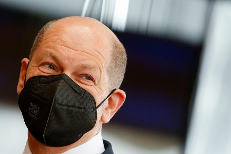 Scholz will im Mai verbindlichen Öffnungsfahrplan aus Corona-Lockdown festlegen (© 2021 AFP)