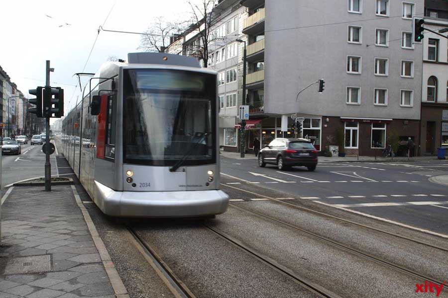 Düsseldorf: Verdacht der Unfallflucht - Pkw wendet vor Straßenbahn(Foto: xity)