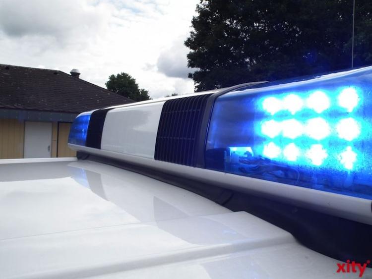 Falsche Polizisten in Nordrhein-Westfalen und Bayern festgenommen (: xity)