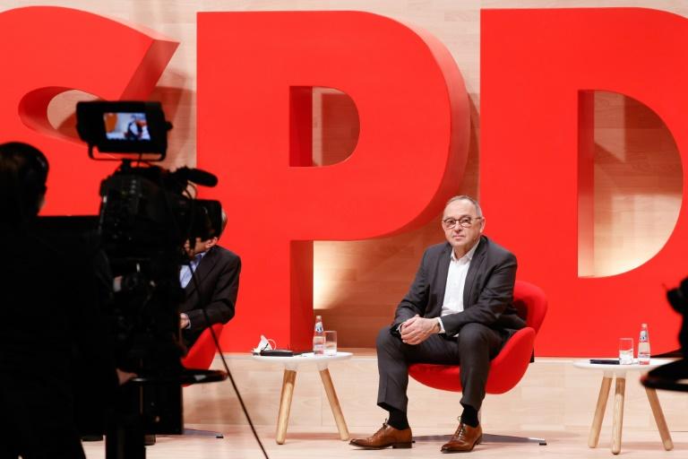 Walter-Borjans: Wir stehen geschlossen hinter Olaf Scholz (© 2021 AFP)