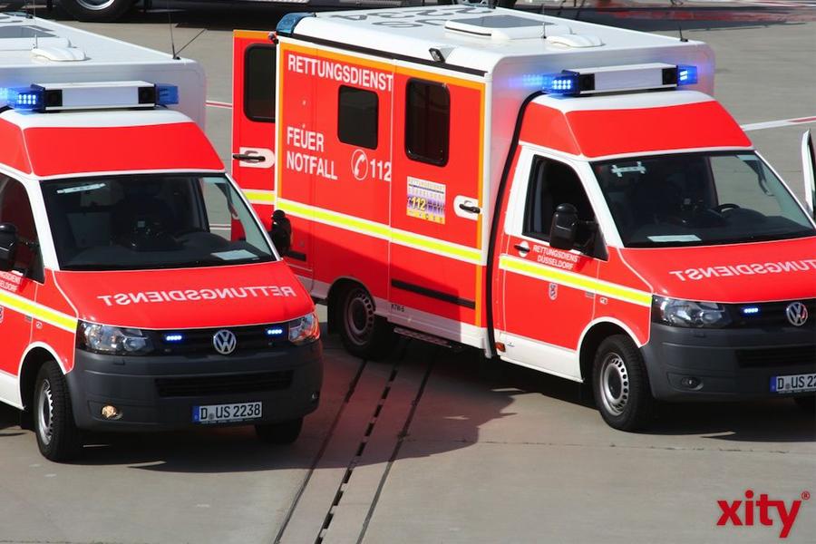 Mann in Düsseldorf wird zwischen Straßenbahnwagen eingeklemmt und stirbt (Foto: xity)