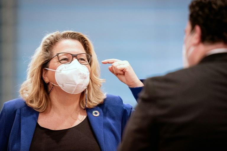 Schulze: Höherer CO2-Preis als alleinige Maßnahme nicht ausreichend (© 2021 AFP)