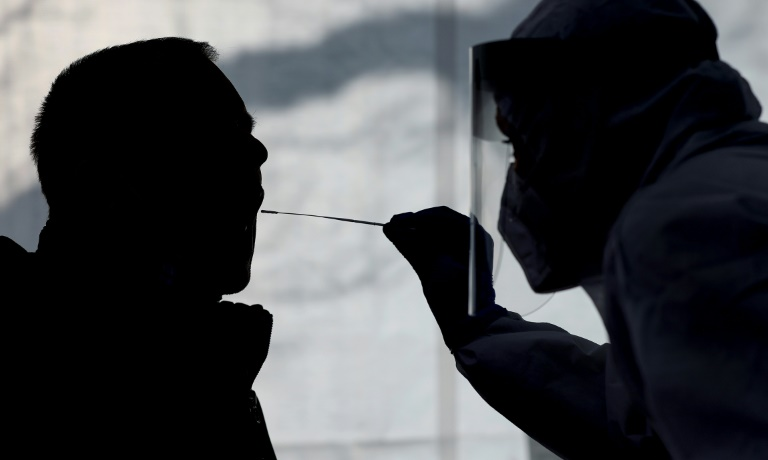 Mehr als 17.000 Corona-Neuinfektionen in Deutschland (© 2021 AFP)