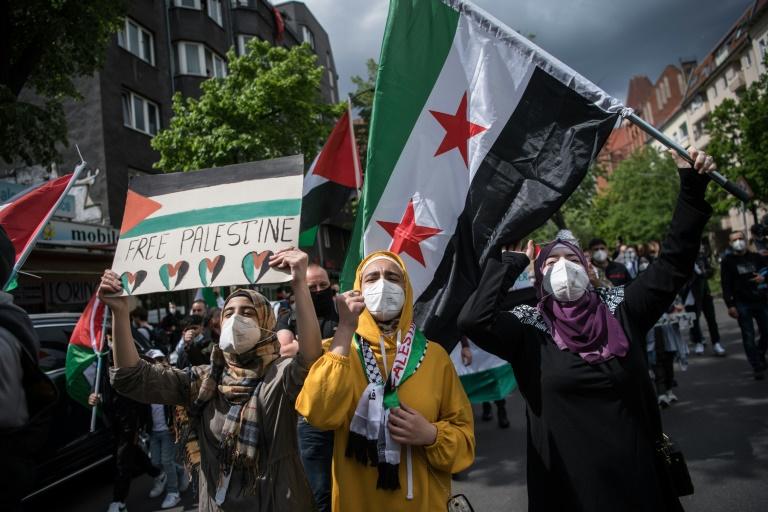 Polizei löst pro-palästinensische Demonstration in Berlin auf (© 2021 AFP)