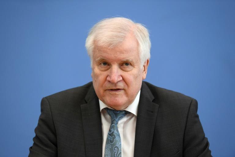 Seehofer kündigt harte Strafen für Angriffe auf jüdische Einrichtungen an (© 2021 AFP)