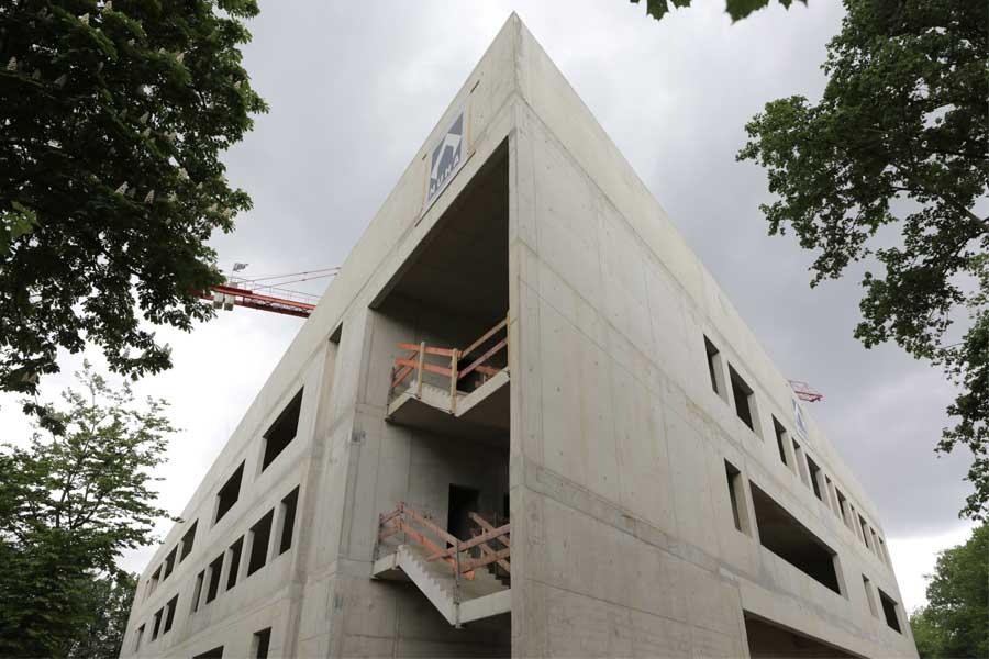 Der Rohbau des Lore-Lorentz-Berufskollegs konnte früher als geplant fertig gestellt werden (Foto: Stadt Düsseldorf/Ingo Lammert)