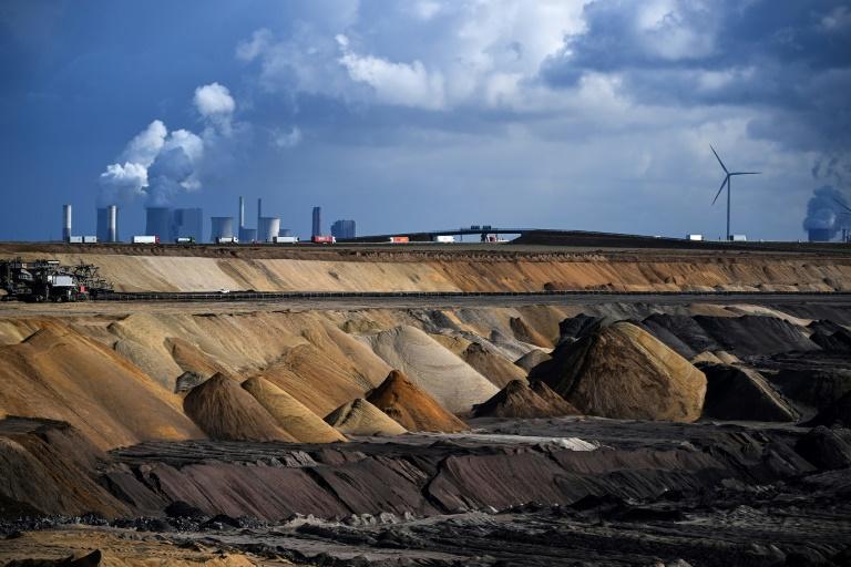 Klima-Stiftung fordert gesetzlichen Ausstieg aus fossilen Energieträgern bis 2045 (© 2021 AFP)