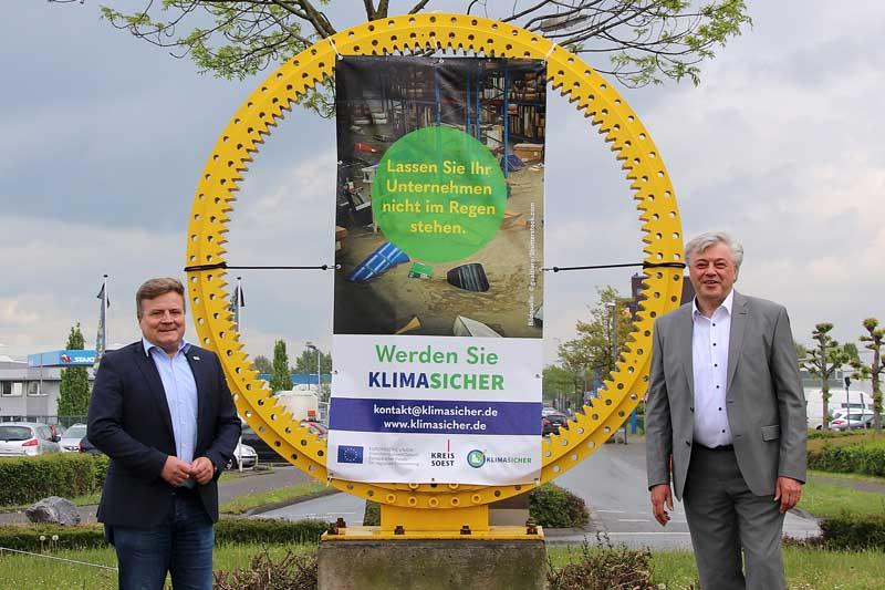 Mit dem Auftakt zur Marketingkampagne möchten Arne Moritz (l.)  und Dr. Jürgen Wutschka auf das Projekt KlimaSicher aufmerksam machen. (Foto: Janine Constant)
