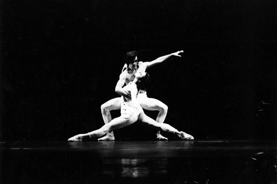 """Hans van Manen """"Keep Going"""", Uraufführung 19. Mai 1971 an der Deutschen Oper am Rhein (Foto: Eduard Straub/Theatermuseum Düsseldorf)"""