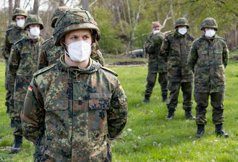 Schwule Soldaten werden für Diskriminierungen entschädigt (© 2021 AFP)