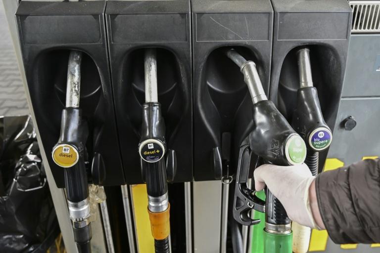 Kraftstoffe sollen klima- und umweltfreundlicher werden (© 2021 AFP)