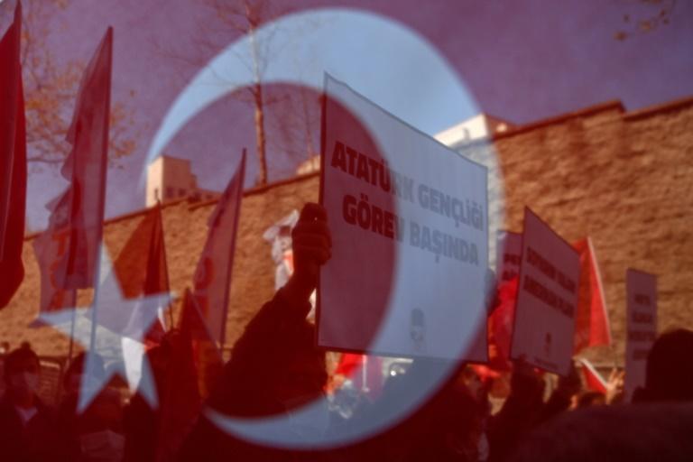 Özdemir kritisiert Zusammenarbeit der NRW-Regierung mit Ditib (© 2021 AFP)