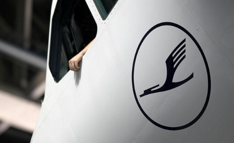Lufthansa-Flugzeug in Minsk wird nach Sicherheitshinweis durchsucht (© 2021 AFP)