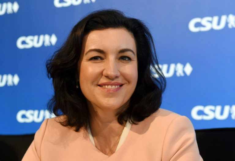 Digitalstaatsministerin fordert Meldesystem bei Hass im Netz gegen Politiker (© 2021 AFP)