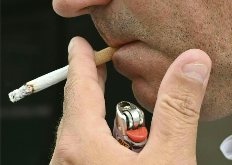 Deutlich mehr Menschen wegen Raucher-Krankheiten im Krankenhaus behandelt (© 2021 AFP)