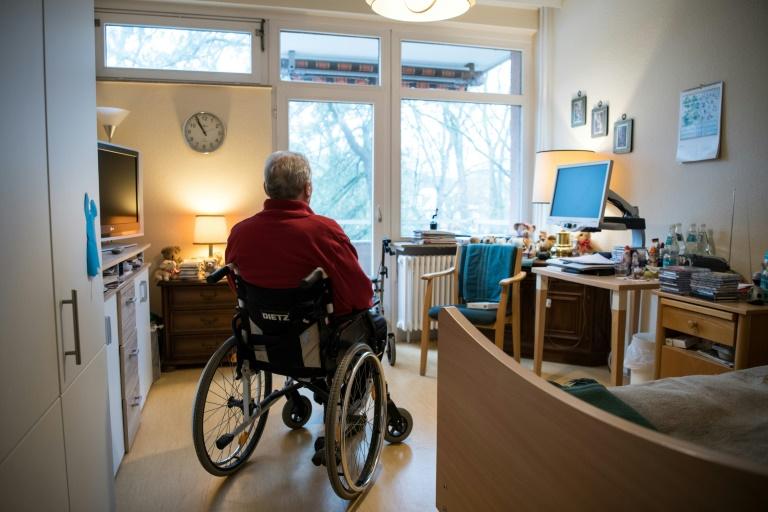 """""""BamS"""": Gesetzentwurf für Pflegereform mit Deckelung von Pflegeanteil im Heim steht (© 2021 AFP)"""