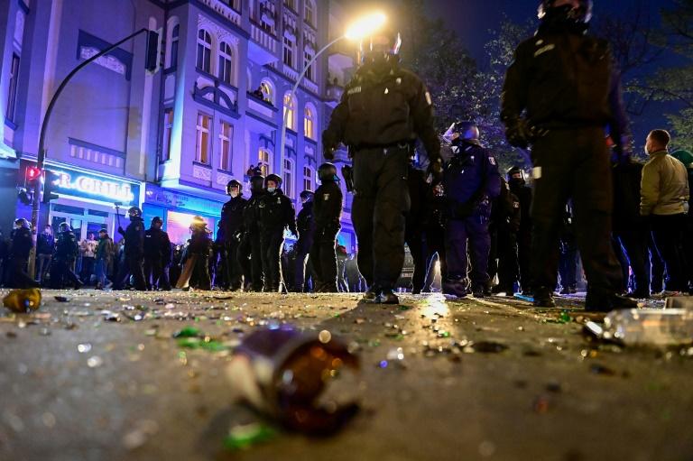 Schlagabtausch nach Ausschreitungen am 1. Mai in Berliner Innenausschuss (© 2021 AFP)