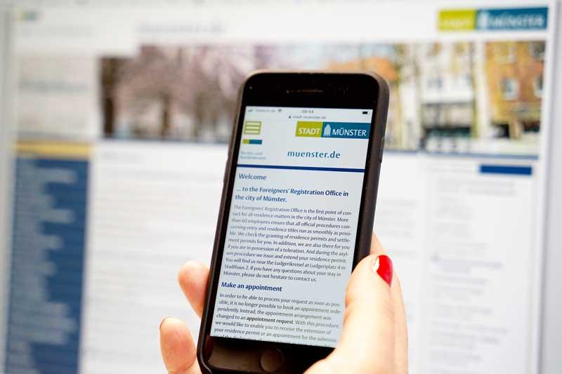 In mehreren Sprachen - und natürlich auch auf Englisch - hilft die neue Webseite der Ausländerbehörde der Stadt Münster weiter. (Foto: Stadt Münster)