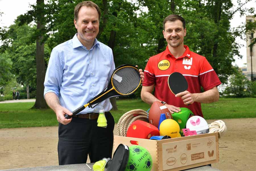 Oberbürgermeister Dr. Stephan Keller (l.) und Timo Boll (Foto: MaJo-Foto)