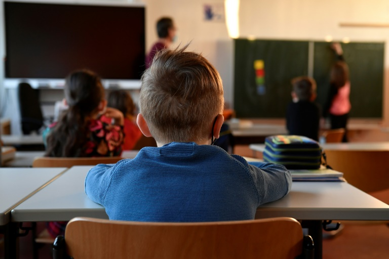 GEW-Vorsitzende Finnern hält nichts von Nachhilfe in den Sommerferien (© 2021 AFP)