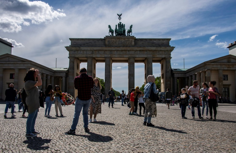 Bundesweite Sieben-Tage-Inzidenz sinkt auf 18,3 (© 2021 AFP)