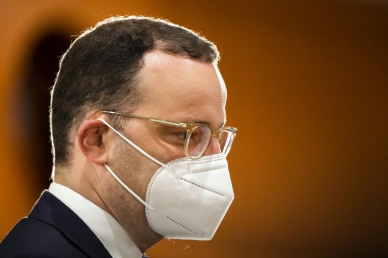 Spahn spricht sich für stufenweises Ende der Maskenpflicht aus (© 2021 AFP)