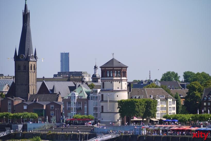 Einsatzintensives Wochenende bei hohem Besucheraufkommen in der Düsseldorfer Altstadt (Foto: xity)