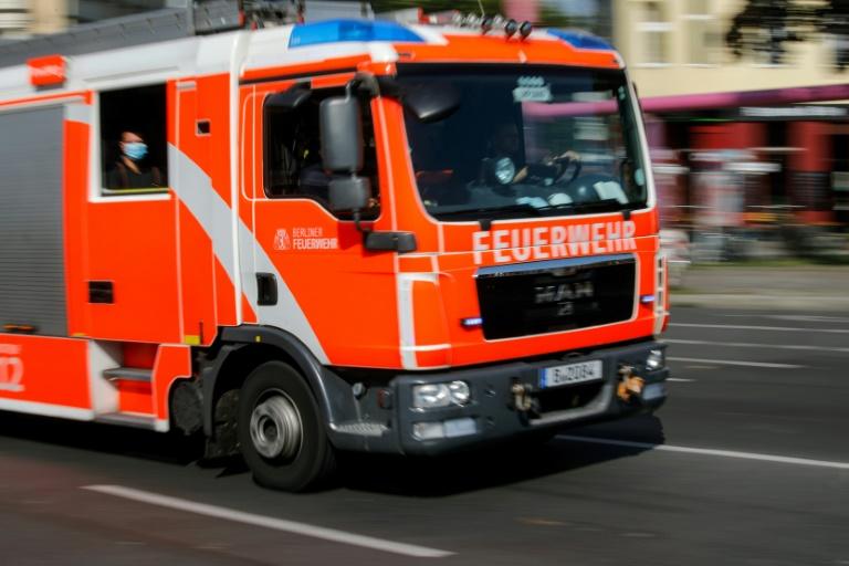 Feuerwehr rettet in Großeinsatz 80 Menschen aus brennendem Hochhaus in Mainz (© 2021 AFP)