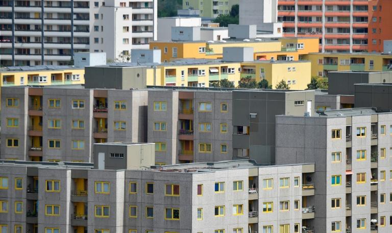 Studie: Fast die Hälfte der Großstadt-Haushalte trägt bei Miete hohe Belastung (© 2021 AFP)