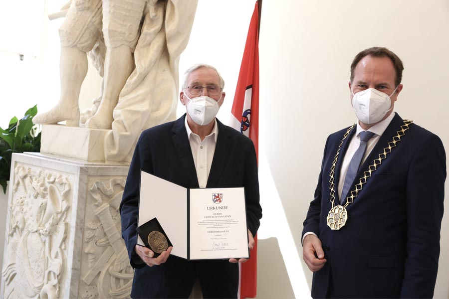 Gerwald van Leyen mit OB Dr. Stephan Keller (Foto: Stadt Düsseldorf/Ingo Lammert)
