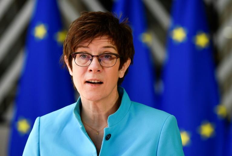 """Kramp-Karrenbauer: Bundeswehr-Vorfall in Litauen """"in keiner Weise akzeptabel"""" (© 2021 AFP)"""