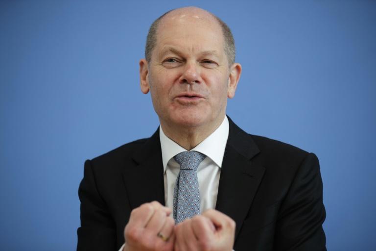 Bericht: Scholz plant für 2022 noch mehr Schulden als bisher vorgesehen (© 2021 AFP)