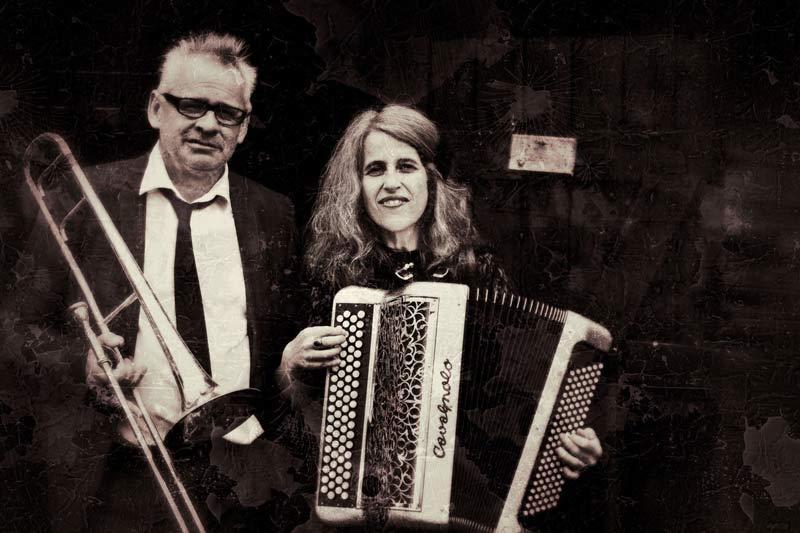 "Das Duo ""this honourable fish"" begleitet den Stummfilmklassiker live. (Foto : ""this honourable fish"")"