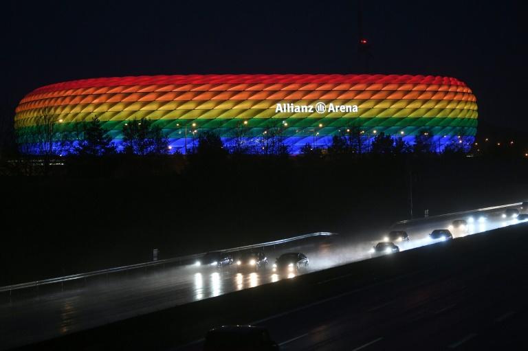 Uefa verbietet regenbogenfarbenes EM-Stadion in München (© 2021 AFP)