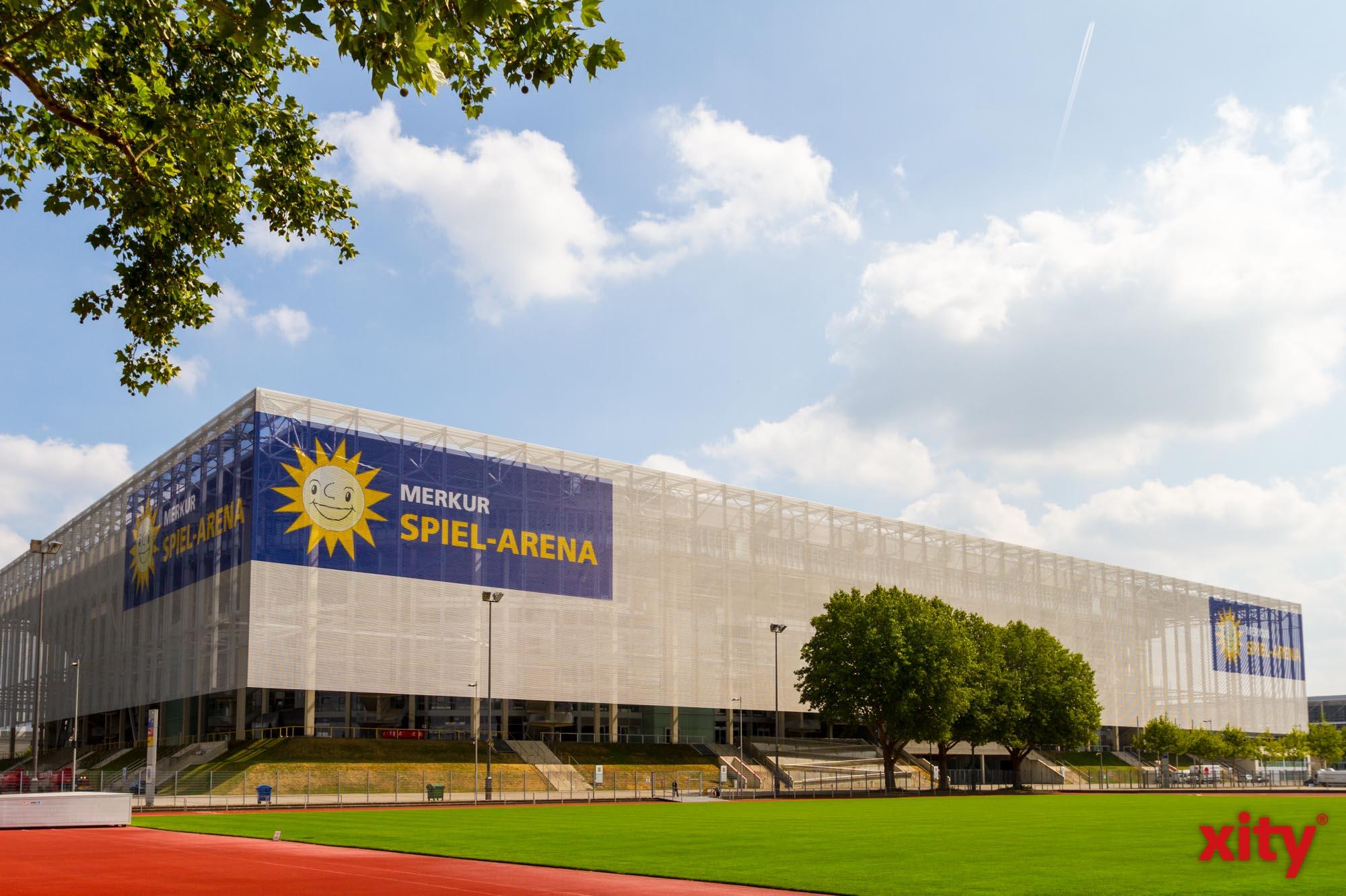 EM 2021: Merkur Spiel-Arena leuchtet in Regenbogenfarben (Foto: xity)