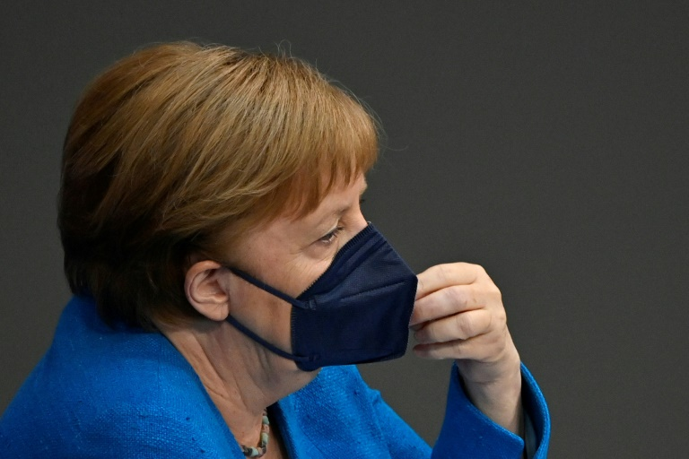 Merkel sieht Überwindung der Corona-Pandemie in greifbarer Nähe (© 2021 AFP)